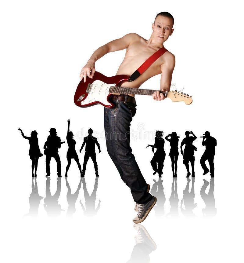 Punk mens met de gitaar en het silhouet stock foto