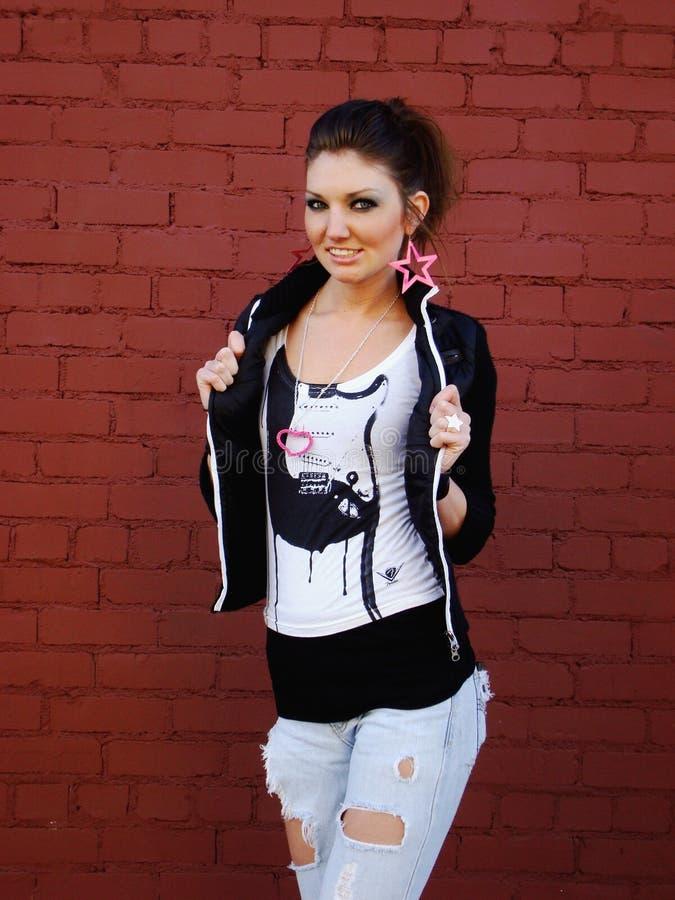 Punkfelsen-Mädchen stockbild