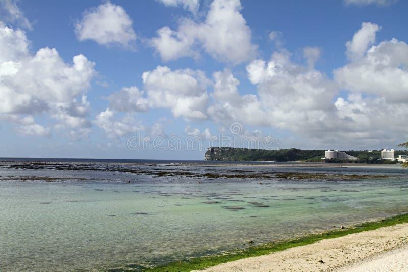 Punkt för två vänner i Guam arkivbild