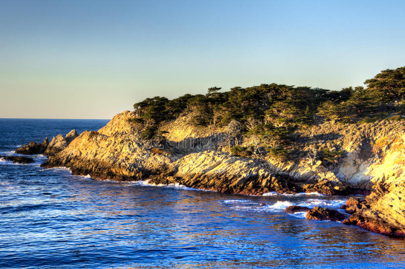 Punkt-Lobos-Halbinsel auf Sonnenuntergang stockbilder