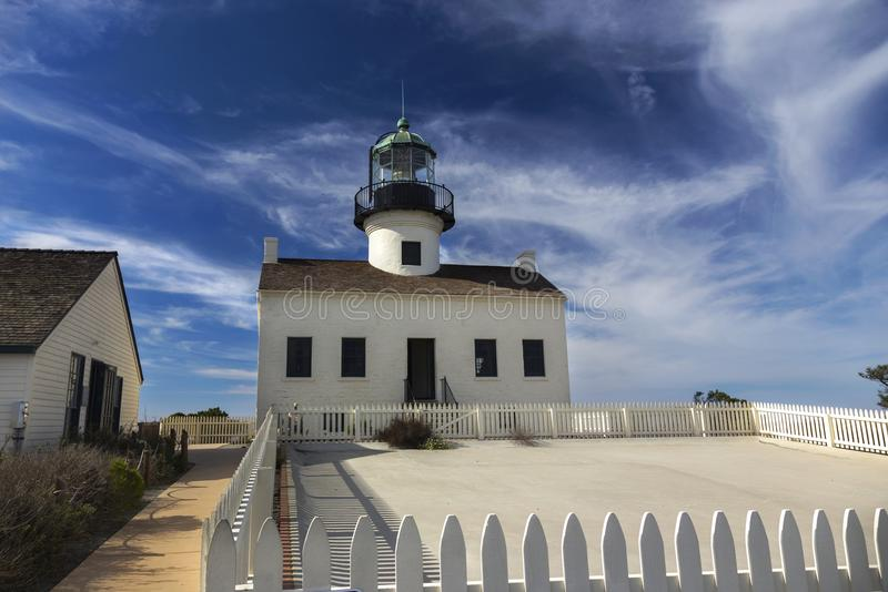 Punkt Loma Lighthouse i Cabrillo den nationella monumentet royaltyfri fotografi
