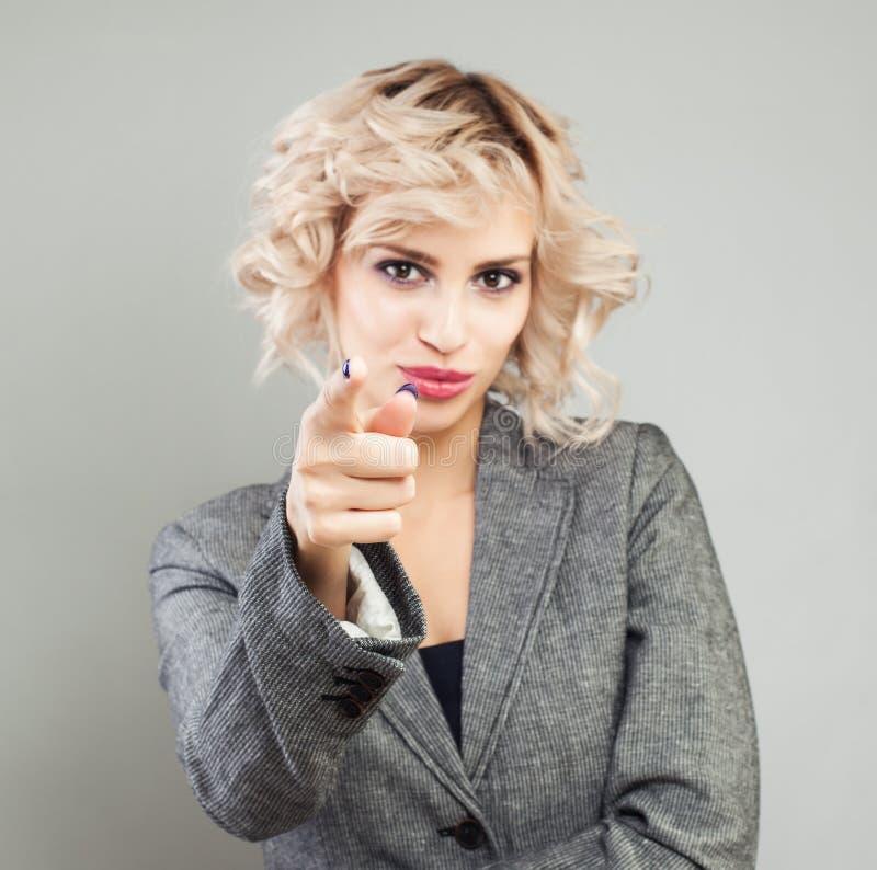 Punktu palec Wskazywa? bizneswoman r?k? fotografia stock