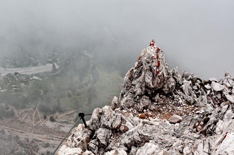 Download Punta Anna via ferrata fotografering för bildbyråer. Bild av rocks - 27283539
