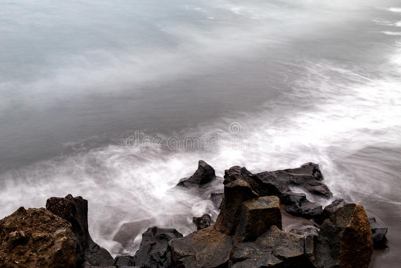 2019-03-12 Punta Brava - Puerto de la Cruz, Santa Cruz de Tenerife lilla staden på den atlantiska kusten royaltyfria foton
