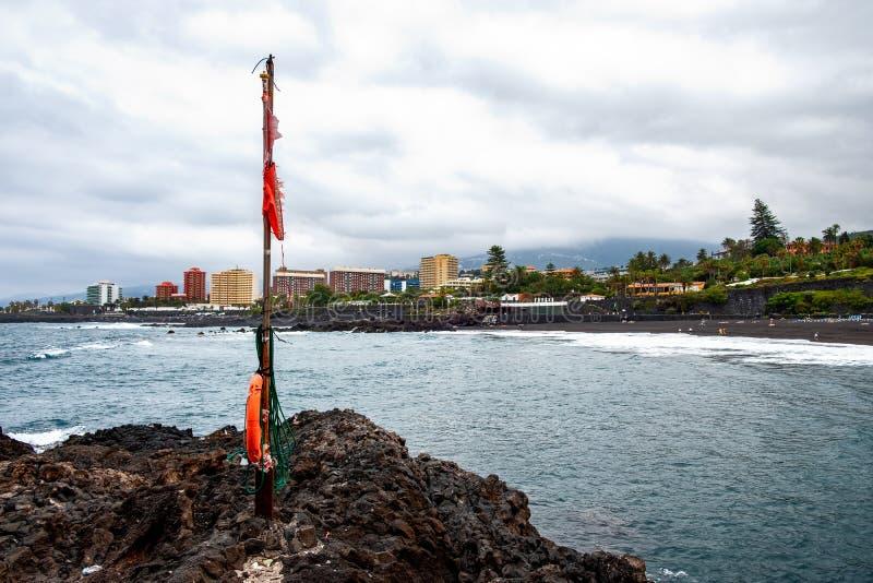 2019-03-12 Punta Brava - Puerto de la Cruz, Santa Cruz de Tenerife lilla staden på den atlantiska kusten royaltyfri fotografi