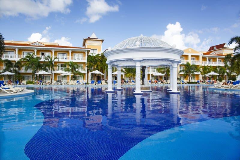 Punta Cana, República Dominicana - Bahia Principe Aquamarine Hotel Pool magnífica fotografía de archivo libre de regalías