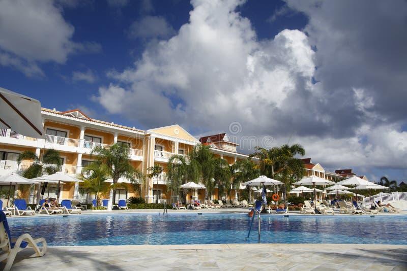 Punta Cana, República Dominicana - Bahia Principe Aquamarine Hotel Pool magnífica imágenes de archivo libres de regalías