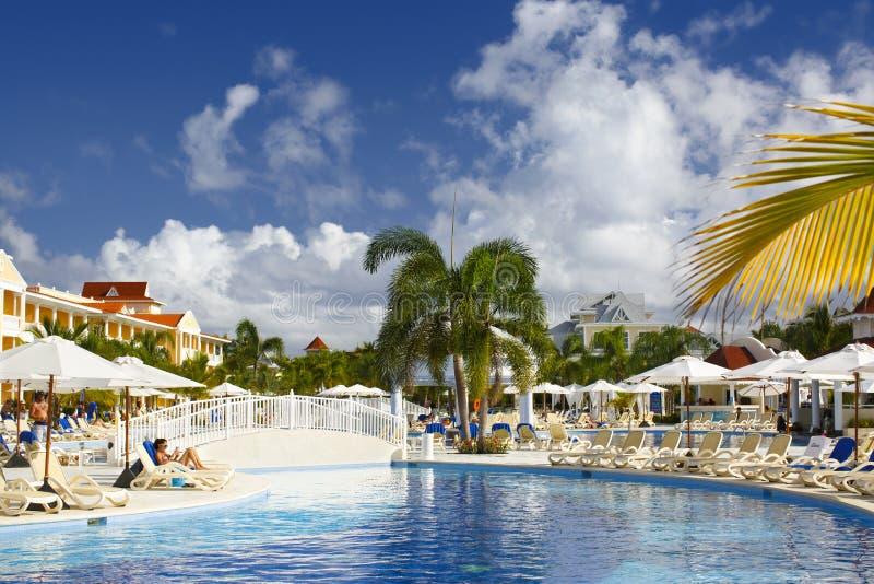 Punta Cana, República Dominicana - Bahia Principe Aquamarine Hotel Pool magnífica fotografía de archivo
