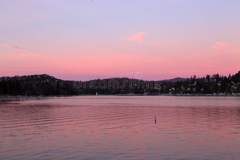 Punta de flecha del lago en rosa imagen de archivo libre de regalías
