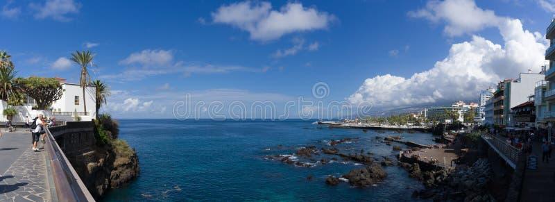 Punta Del Viento, Puerto De La Cruz de Tenerife Espania, Październik, - 27, 2018: Panorama zatoka Punta Del Viento przegapiać zdjęcia royalty free
