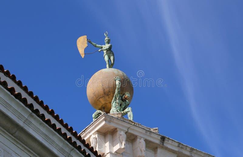 Punta della Dogana som underifrån ses i Venedig i Italien royaltyfria bilder