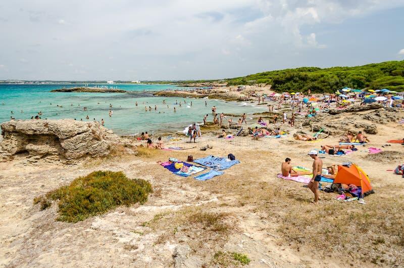 Punta dellaSuinas strand nära Gallipoli i Salento Apulia Ita arkivfoto