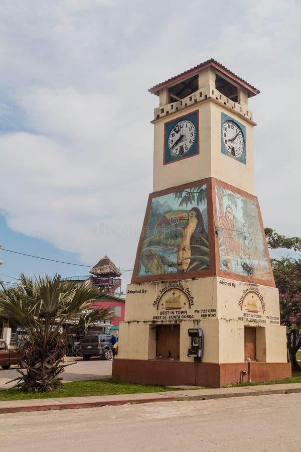 PUNTA GORDA, BELIZE - MAART 9, 2016: Weergeven van klokketoren in de stad van Punta Gorda, Beli royalty-vrije stock foto