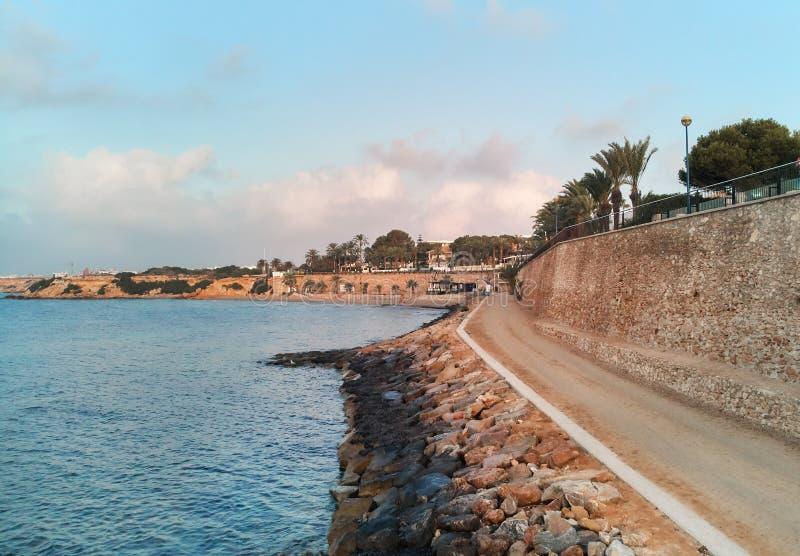 Punta Prima nadmorski w ranku Torrevieja Hiszpania zdjęcia stock