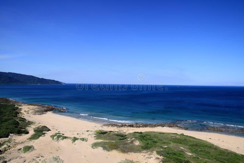 Puntello ed oceano e cielo blu fotografia stock