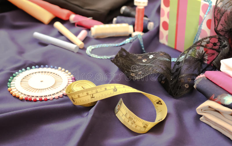 Punten voor het naaien worden vereist die stock foto