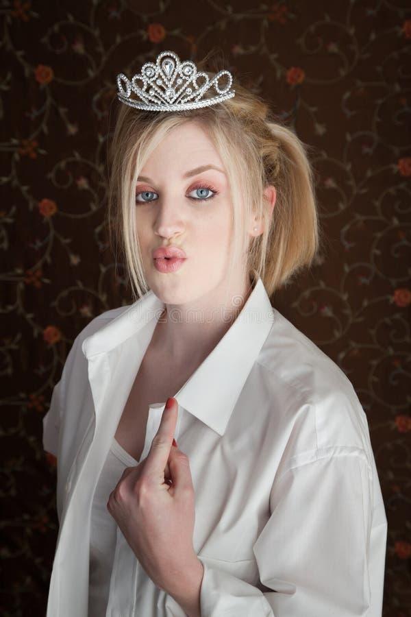 Punti della donna ai suoi orli fotografia stock libera da diritti