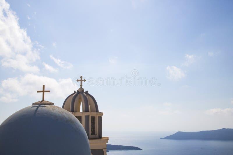 Punti di riferimento blu su Santorin, Grecia immagine stock libera da diritti