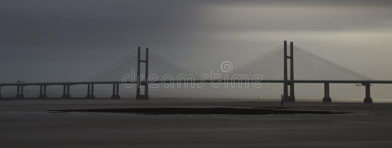 Punto bajo de los fuertes vientos atado en el estuario severn fotografía de archivo