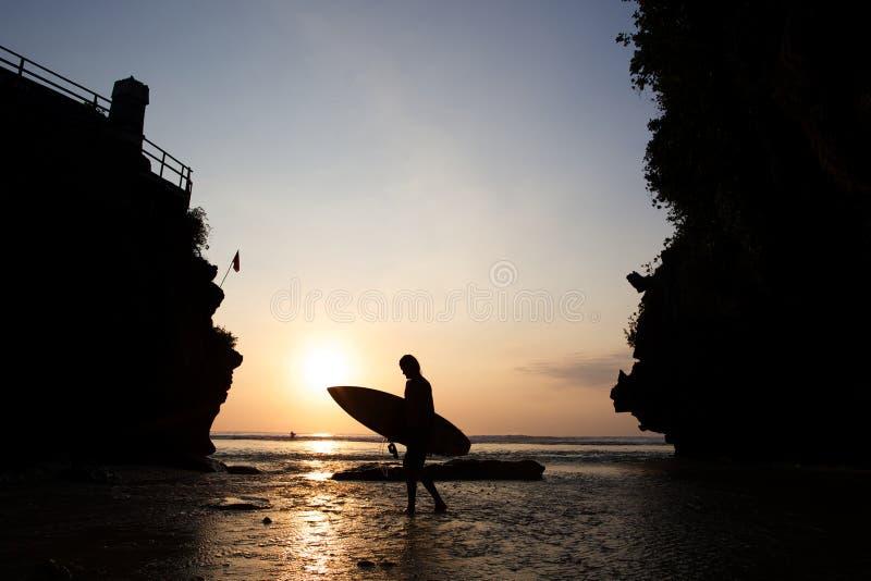 Punto de Uluwatu en la puesta del sol en Bali fotografía de archivo libre de regalías