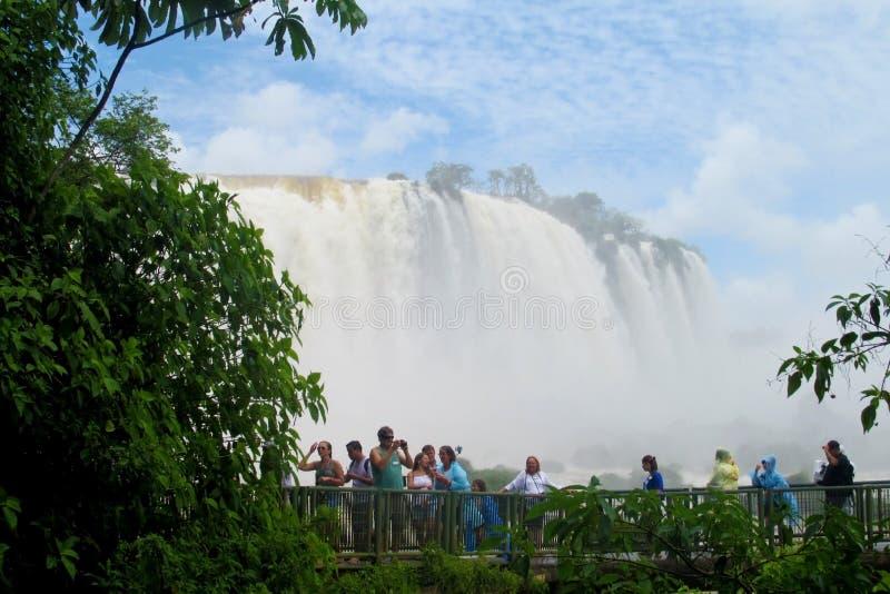 Punto de vista de la cascada de Iguassu fotos de archivo libres de regalías