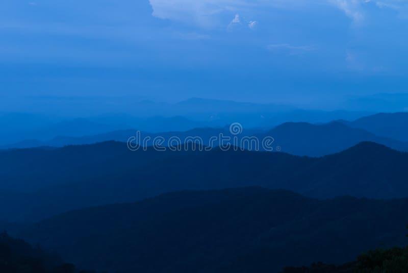 Punto de vista en Doi Lan Hilltop en la provincia de Lampang, Tailandia foto de archivo libre de regalías