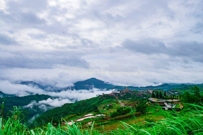 Punto de vista en el kho 2 de Khao de la montaña fotografía de archivo