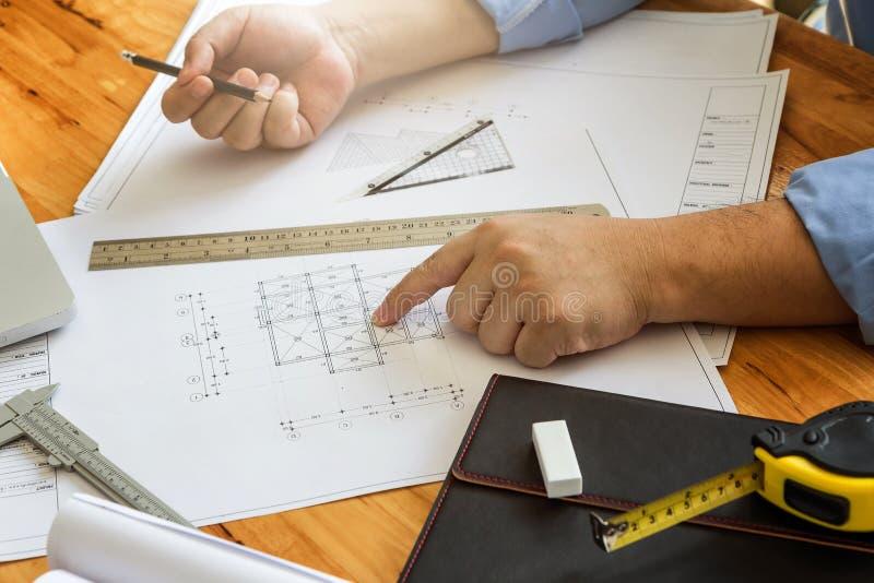 Punto del arquitecto en el modelo foto de archivo libre de regalías