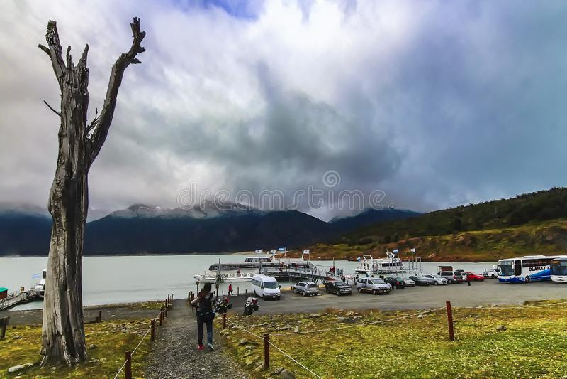 Punto del embarcadero de Sombras de los las de Puerto Bajo foto de archivo
