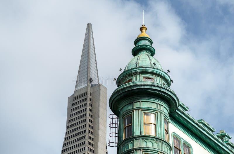 Punto di riferimento della città San Francisco di Italiian fotografia stock