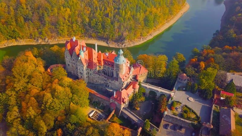 Punto di riferimento famoso del castello di Wawel a Cracovia Polonia Paesaggio pittoresco sul fiume Vistola della costa Tramonto  immagine stock libera da diritti