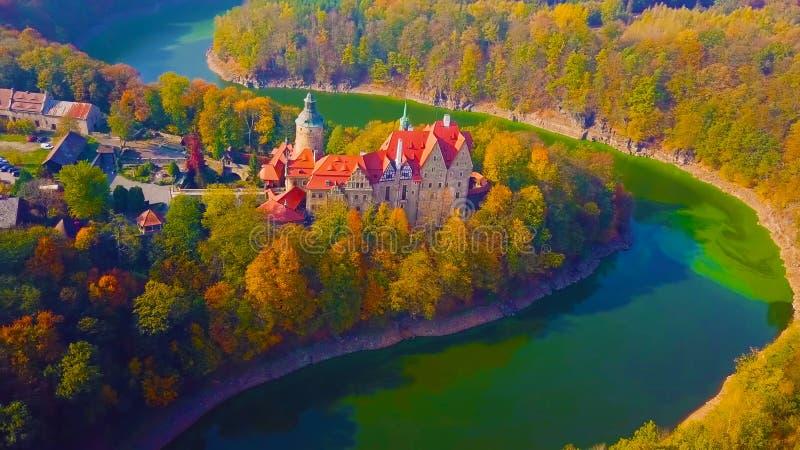 Punto di riferimento famoso del castello di Wawel a Cracovia Polonia Paesaggio pittoresco sul fiume Vistola della costa Tramonto  immagine stock