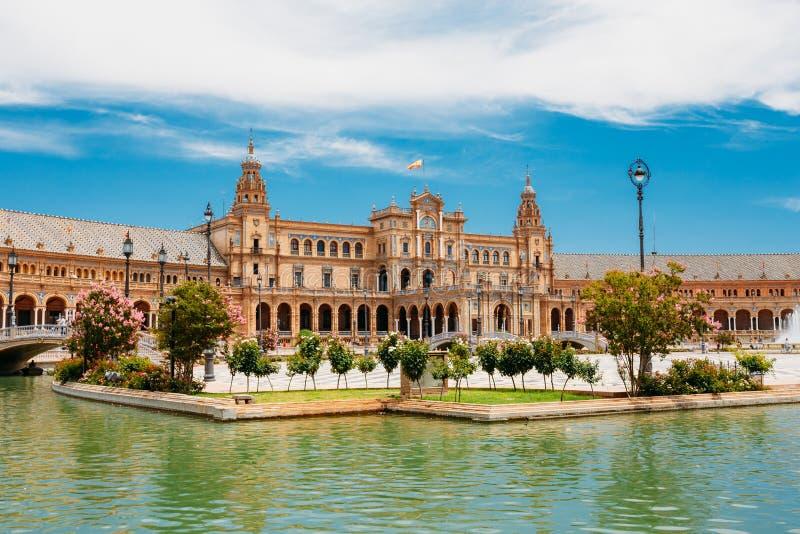 Punto di riferimento famoso - Plaza de Espana in Siviglia, Andalusia, Spagna immagini stock libere da diritti