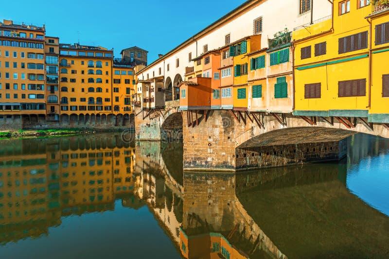 Punto di riferimento famoso Ponte Vecchio a Firenze, Toscana, Italia fotografia stock