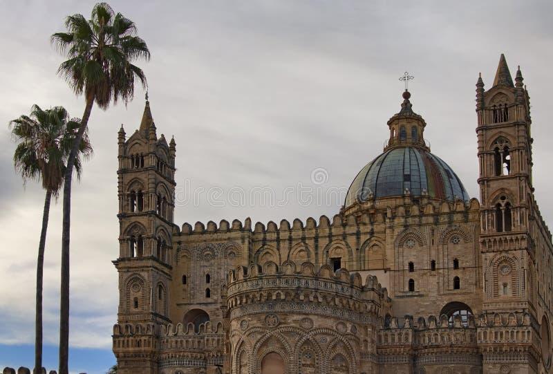 Punto di riferimento scenico a Palermo La cattedrale di Palermo è chiesa della cattedrale di Roman Catholic Archdiocese di Palerm fotografia stock