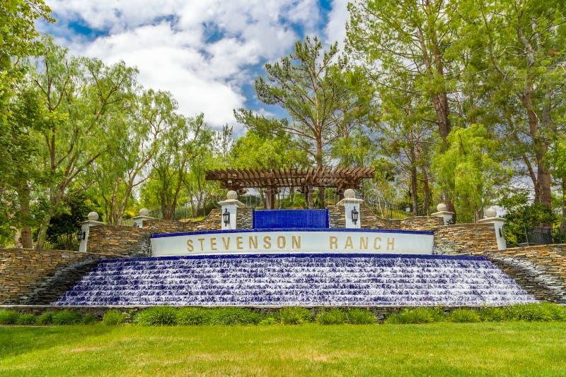 Punto di riferimento Stevenson Ranch Waterfall immagine stock
