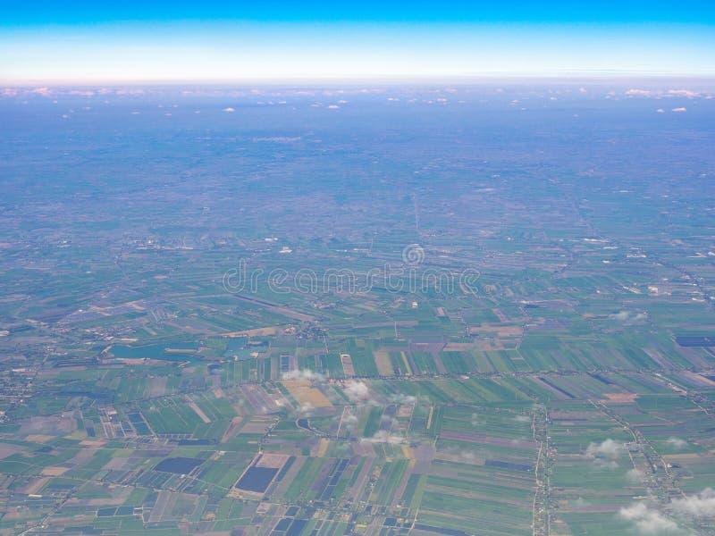 Punto di vista areale del lato del paese della Tailandia con orizzonte immagine stock libera da diritti