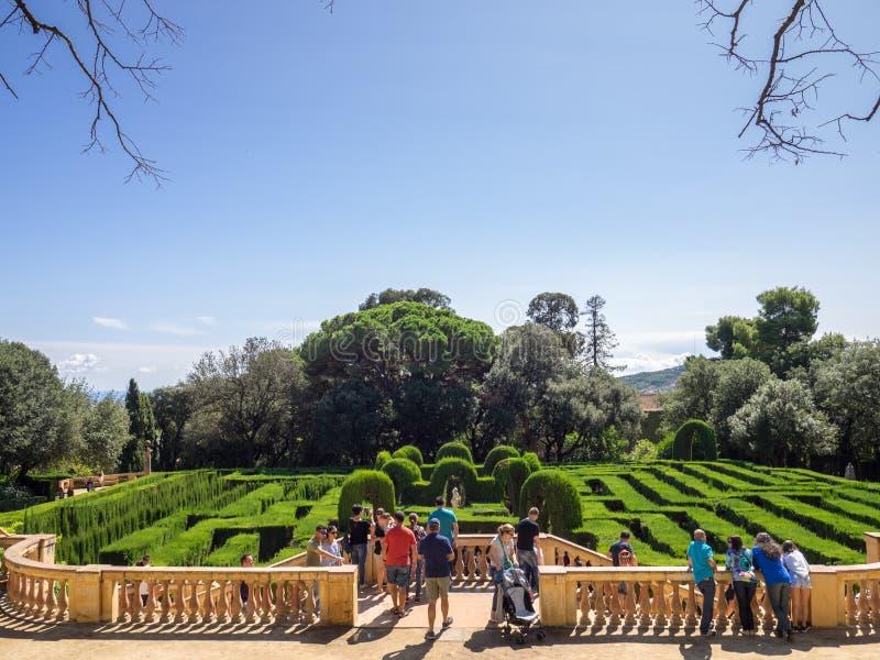 Punto di vista dei turisti nel labirinto del Horta immagini stock