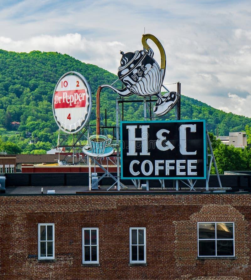 Punto di vista del Dott. Pepe ed i segni del caffè di H&C immagini stock