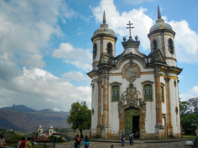 Punto di vista del Igreja de Sao Francisco de Assis, Ouro Preto, Brasile immagine stock