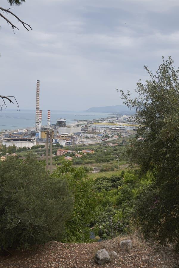 punto di vista dell'Enel Ettore Majorana di Centrale immagini stock