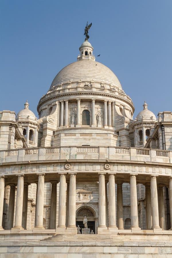 Punto di vista dell'entrata laterale di Victoria Memorial a Calcutta fotografie stock libere da diritti