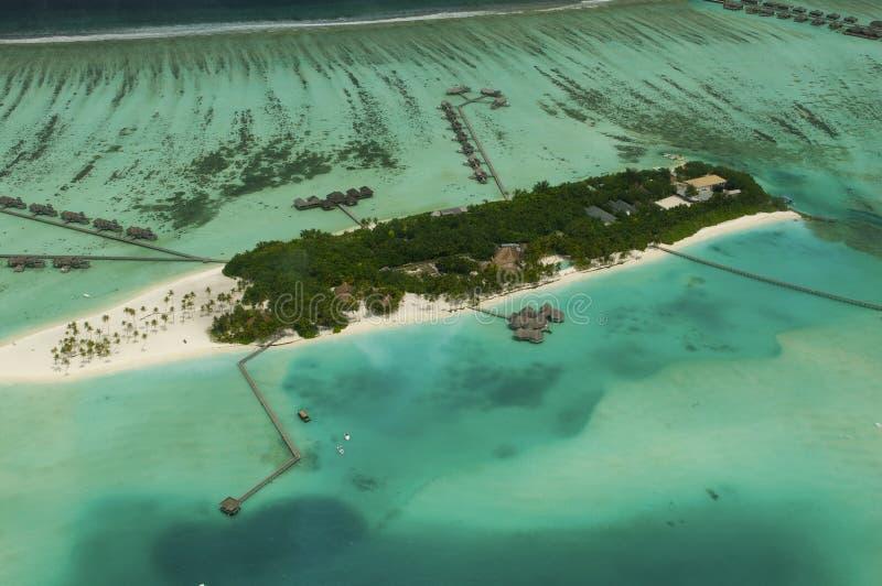 Punto di vista di Arial dell'isola di vacanze fotografia stock libera da diritti
