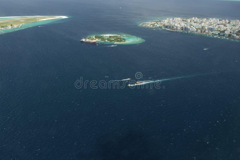 Punto di vista di Arial dell'isola di vacanze immagini stock