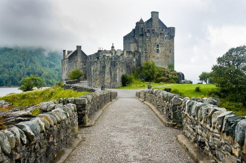 Punto di vista di Eileen Donan Castle, Scozia fotografia stock