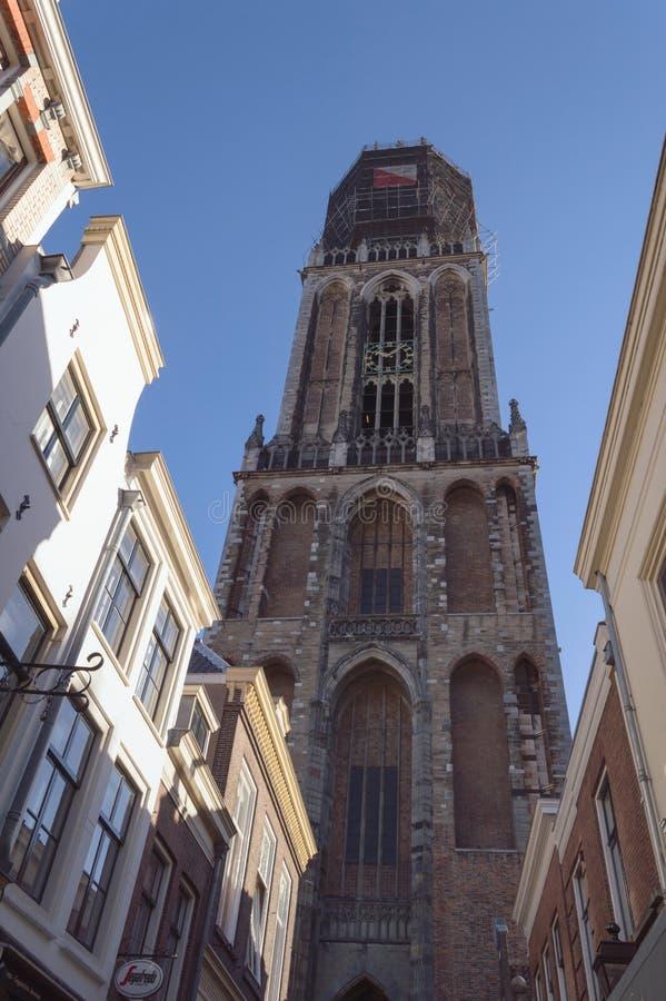 Punto di vista di Dom Tower da sotto fotografie stock