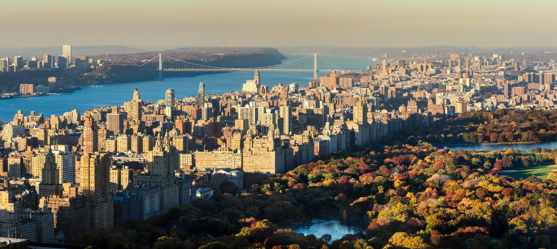 Punto di vista elevato panoramico del Central Park e della costa Ovest superiore nella caduta New York City fotografia stock
