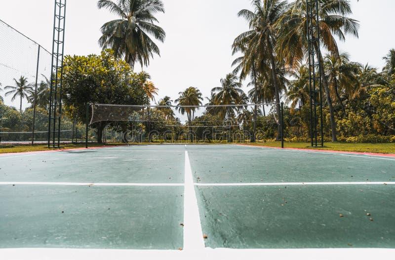 Punto di vista grandangolare del campo da badminton, Maldive immagine stock libera da diritti