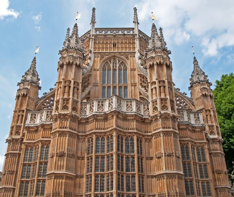 Punto di vista insolito dell'Abbazia di Westminster, Londra immagine stock