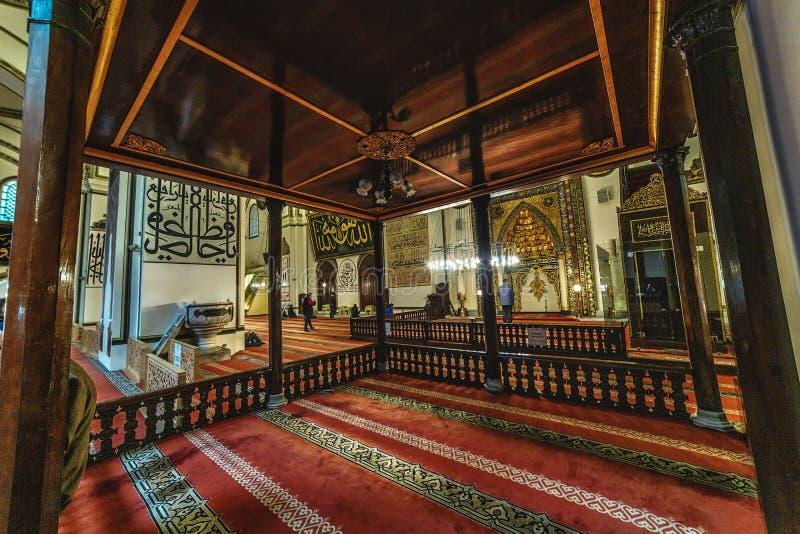 Punto di vista interno di grande turco di Ulu Camiin o della moschea a Bursa Grande moschea fotografie stock